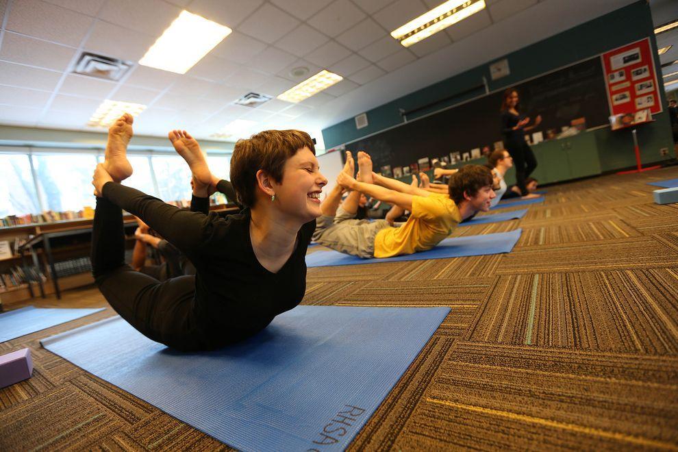 Practica Yoga si puterile sale vindecatoare
