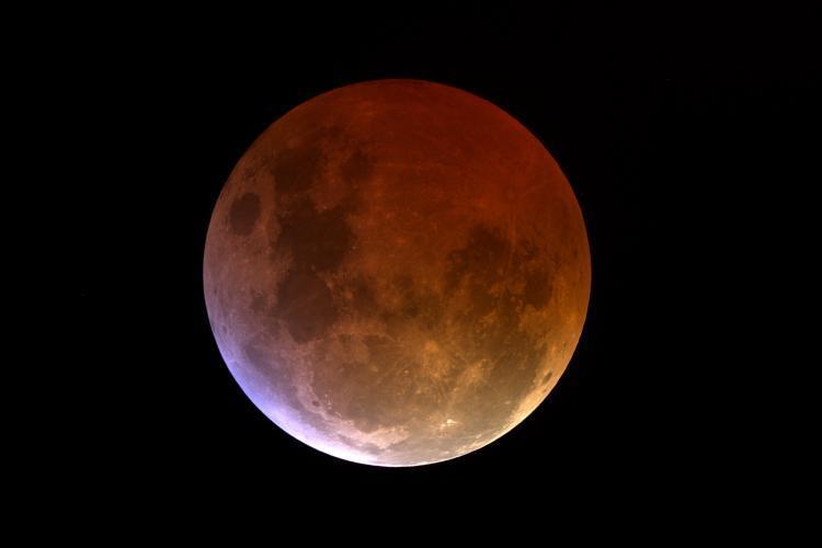 Eclipsa de Luna in Leu – 11 februarie 2017, ora 2:32 – semnificatii astrologice